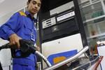 """Bộ Công thương lý giải vì sao """"bí mật"""" tăng giá xăng dầu"""