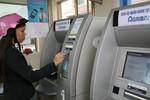 """Thẻ ATM bị """"nuốt"""" tiền, Agribank xử lý sự cố 20 ngày là quá lâu?"""