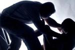 Bắt quả tang gã hàng xóm cưỡng hiếp bé gái13 tuổi tại nhà nạn nhân