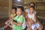 Nhập nhằng tiền đền bù đất, hàng loạt học sinh chưa được đến trường