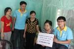 Nhóm phóng viên Thanh Nghệ Tĩnh ủng hộ gia đình cảnh sát biển