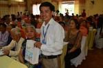 Tập đoàn TH trao 250 suất quà đến thân nhân liệt sỹ Nghệ An