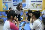 Biết chuyện dạy và học tiếng Anh ở trung tâm, nhiều nhà lập tức cho con nghỉ