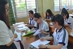 Trường không trả bài thi học kỳ khiến phụ huynh và học sinh nghi ngờ, bức xúc