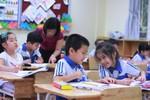 Thầy giáo dạy tiểu học mong các em được học ít hơn ở chương trình mới
