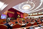 Trung ương thảo luận tình hình kinh tế-xã hội