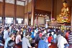 Lên chùa lễ Phật