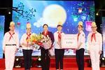 Chủ tịch Quốc hội Nguyễn Thị Kim Ngân dự Đêm hội Trăng rằm với thiếu nhi Hà Nội