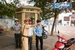 """Ngày đầu xử lí xe không chính chủ: Dân ngơ ngác, CSGT """"nhắc là chính"""""""