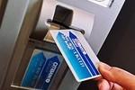 Công an bắt khẩn cấp 8 người ăn cắp cả trăm triệu USD thẻ tín dụng