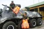 Hải Phòng: Bộ Chỉ huy QS điều 4 xe thiết giáp đi đối phó với bão số 2