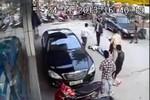 Vụ đánh người dã man trên phố: 3 đối tượng ra đầu thú tại CQ công an