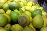 """Cần """"tỉnh táo"""" khi mua trái cây tại Big C Thăng Long"""