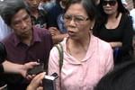 Video: Bố mẹ nạn nhân Huyền nói gì sau quyết định dừng phiên xét xử?