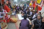Vụ dân quỳ trước cổng ủy ban: Sắp quyết số phận đường cổ làng Mễ Trì