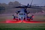 """Xem """"khủng long"""" CH-53 Super Stallion phô diễn sức mạnh"""