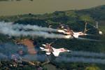 """Báo Mỹ chỉ rõ mục đích thành lập phi đội """"quân xanh"""" của Trung Quốc"""