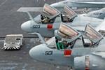 Tàu sân bay Mỹ xuất hiện gần Trường Sa để răn đe tàu chiến Trung Quốc
