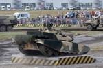 """Xe tăng T-90S Nga chính thức """"đá bật"""" MBT-2000 của Trung Quốc ở Peru"""