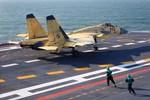 Nga chấm dứt dùng Su-33, TQ lại lấy J-15 so với  F-18E của Hải quân Mỹ