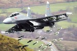 """J-16 TQ: """"Chiến sỹ toàn năng"""" hay """"bảo sao không tiếc"""" của Su-30 Nga?"""