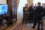 """Quyết định Crimea sắp nhập Nga đã được đưa ra """"dưới nòng súng""""?"""
