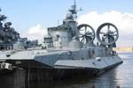 """""""Tình hình Crimea đe dọa hợp đồng tàu đệm khí TQ-Ukraine"""""""