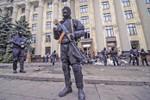 Giải mật 3 nguồn vũ khí lớn của lực lượng thân Nga ở Ukraine