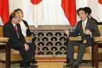 """Tờ """"Beijing Times"""" buông lời nhục mạ nguyên thủ Nhật, Philippines"""