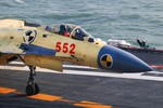 Trung Quốc sẽ có lô máy bay chiến đấu J-15 đầu tiên vào năm 2015?