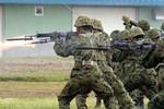 """Chưa đầy 2 tháng Nhật Bản đã cởi tất cả """"dây thừng"""" cho Lực lượng Phòng vệ"""