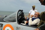 """Ấn Độ thúc đẩy kế hoạch """"Made in India"""" về vũ khí trang bị"""