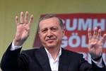 Thổ Nhĩ Kỳ tiếp tục chơi cờ để được lợi nhất trong vụ mua bán tên lửa