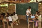 Gần 1 triệu USD cho giáo dục THCS vùng khó khăn