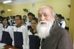 """Thầy Văn Như Cương khuyên trò dành tiền """"lì xì"""" làm từ thiện"""