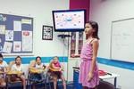 """""""Đột nhập"""" lớp học kỹ năng ứng dụng tiếng Anh độc đáo cho trẻ"""