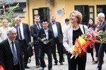 """Bộ trưởng Christine Antor """"kinh ngạc"""" với mô hình giáo dục học sinh cá biệt"""