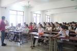 Sai sót đề thi, Bộ Giáo dục phải cộng điểm cho tất cả thí sinh ở môn Vật lí