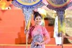Ngọc Hân làm người mẫu ở Festival Huế 2013