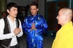 MC Tuấn Anh đưa bạn ngoại quốc đi lễ chùa
