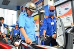 Thuế môi trường xăng dầu khiến người dân có cảm giác đang bị... tận thu