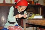Ép vợ chồng cụ già 89 tuổi đóng tiền thể thao