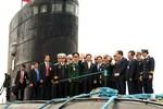 Thủ tướng Nguyễn Tấn Dũng kiểm tra tiến độ thử nghiệm tàu ngầm Hà Nội