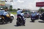 Công an bắt hàng loạt xe dẫn đoàn đưa Nick Vujicic về TP.HCM