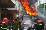 Nhiều cơ quan tổ chức khám nghiệm hiện trường vụ cháy cây xăng ở HN