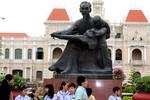 Di dời tượng đài Chủ tịch Hồ Chí Minh