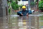 Bão số 2 đổ bộ Đông Bắc bộ: TP Hải Phòng bị sạt lở đê