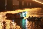 16 thợ lặn đang tìm thi thể bệnh nhân bị bác sĩ ném xuống sông Hồng