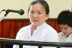 Xử sơ thẩm vụ nữ võ sư trùm quần lên đầu chánh án tại tòa án