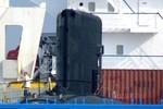 Tiến hành bốc dỡ tầu ngầm Kilo Hà Nội như thế nào?